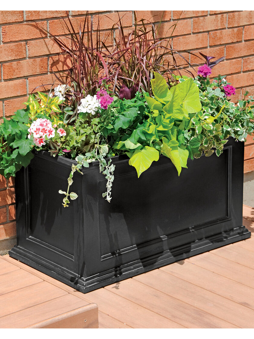Patio planter fairfield all weather planter gardener 39 s for Gardeners supply planters