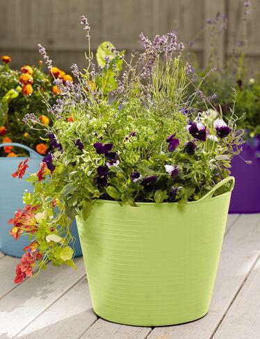 Self watering tubtrug planter gardener 39 s supply company for Gardeners supply planters