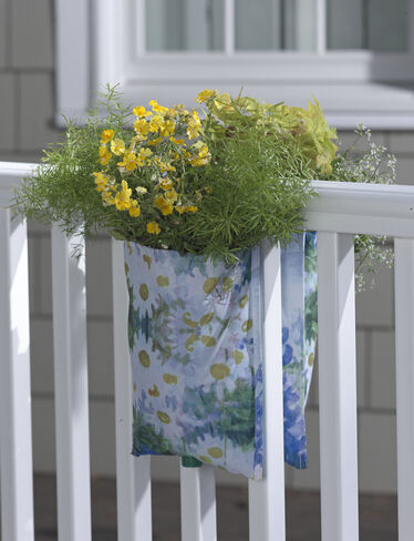PatioArt Railing Pouch Planter