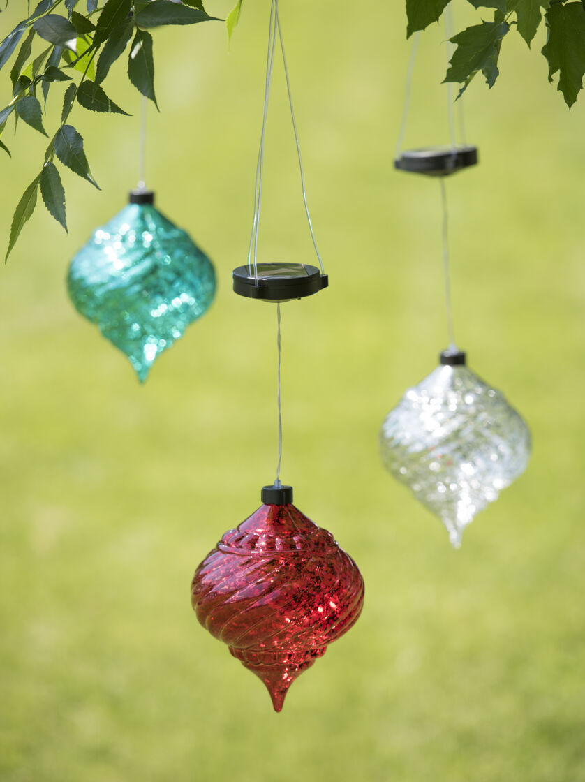 Large outdoor christmas ornaments hanging onion solar for Hanging christmas decorations