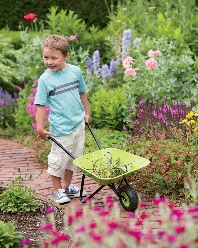 Children For Daz Studio And Poser: Wheelbarrow For Kids