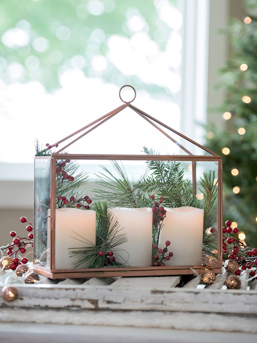 Christmas ornament display case - Derby Glass Candle Display