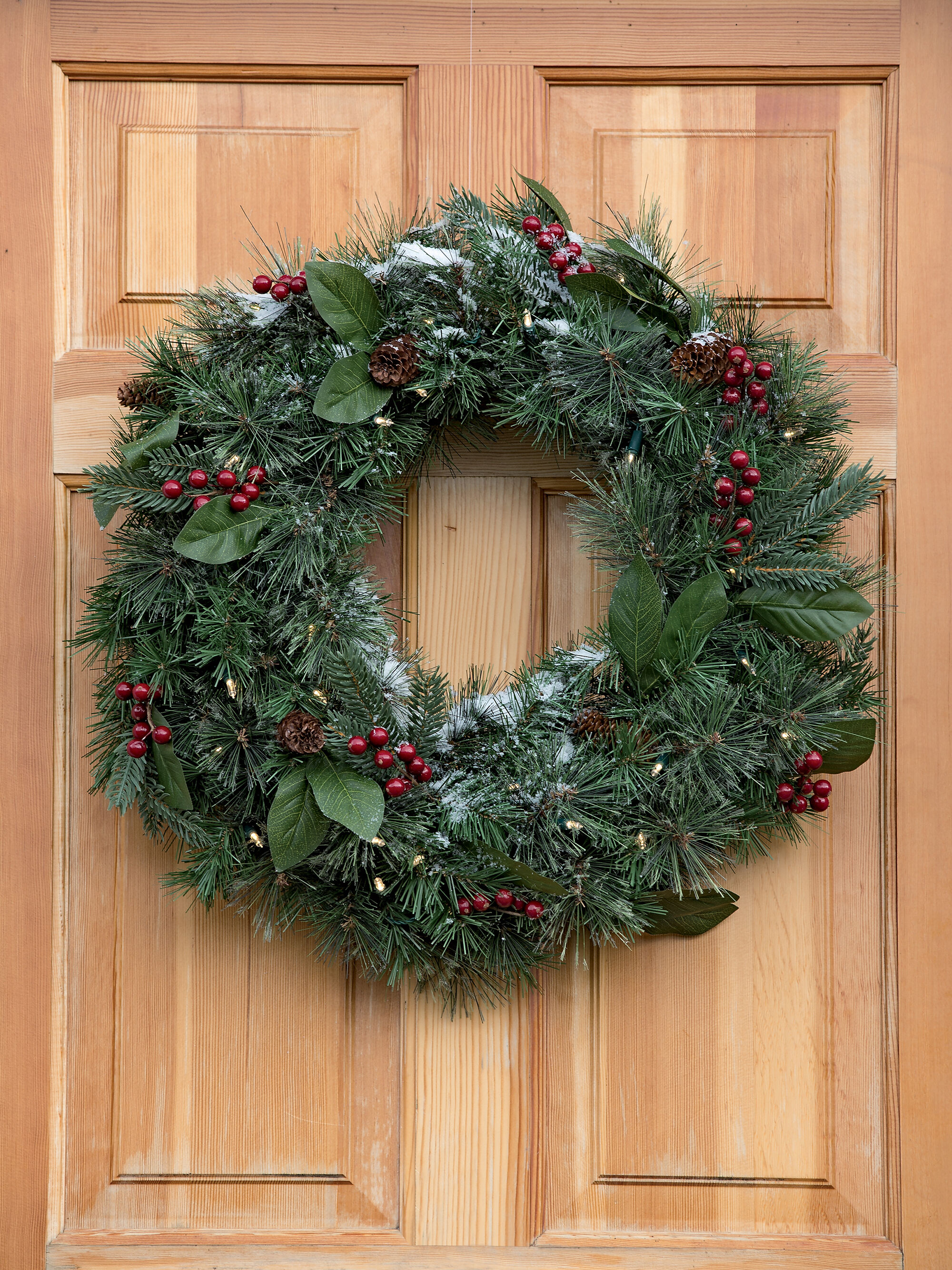 Pre Lit Battery Operated Christmas Wreath With Timer