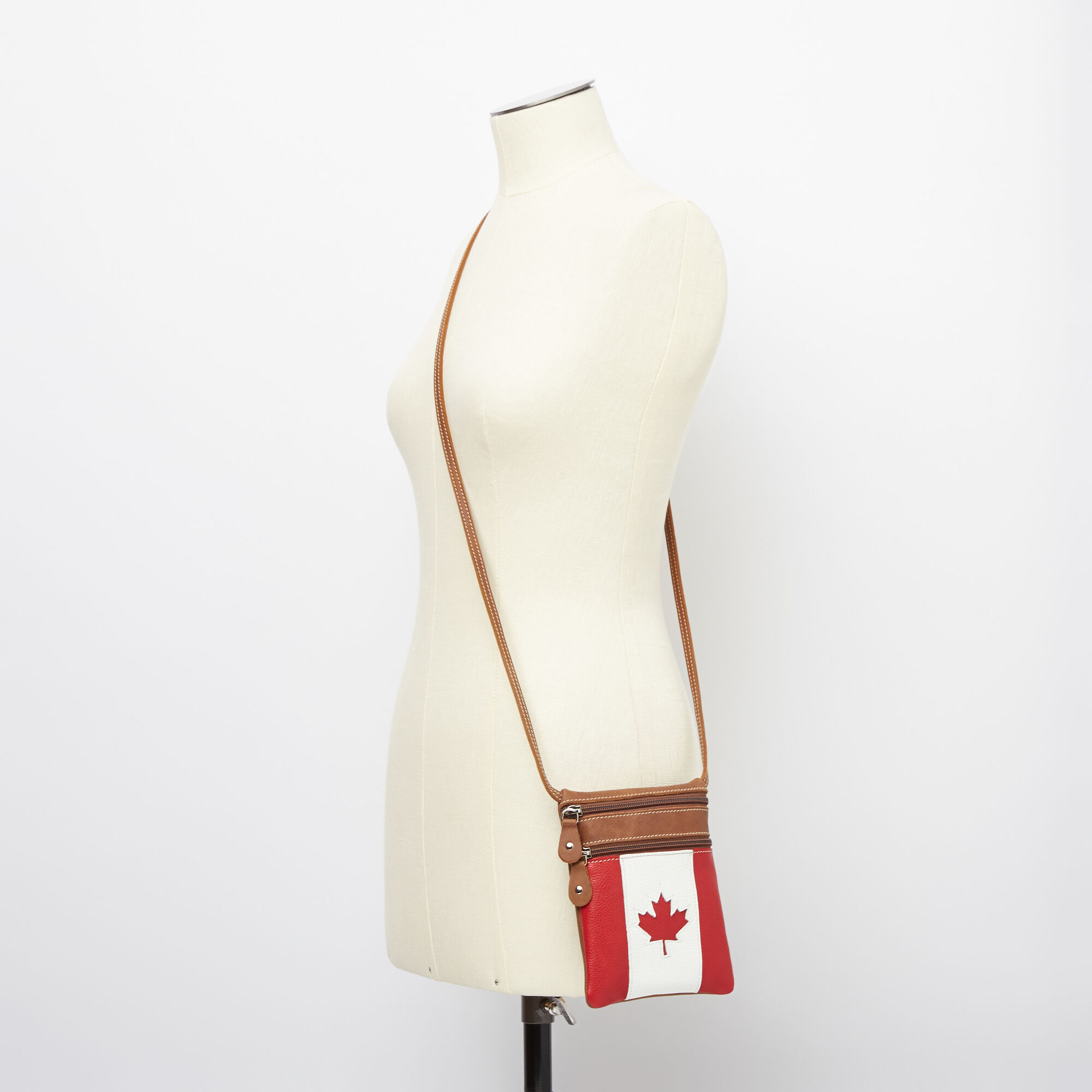 Hanging Pouch Canada Tribe