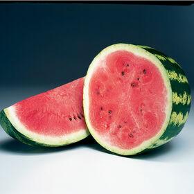 深红色的甜二倍体西瓜