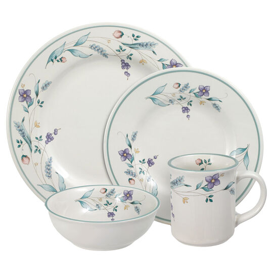 32 Piece Dinnerware Set