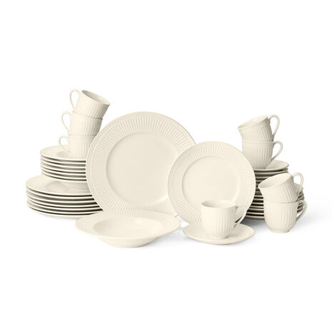 40 Piece Dinnerware Set