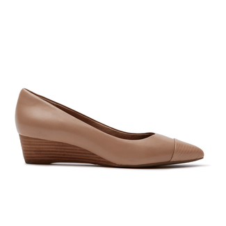 Total Motion Annett Cap Toe PumpRockport Women's Tan Total Motion Annett Cap Toe Pump