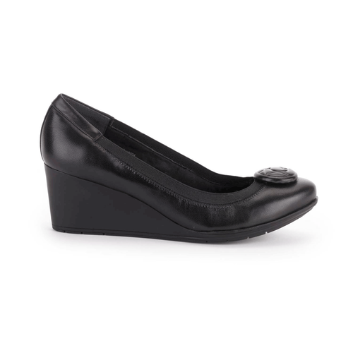 Total Motion Ornament Pump Women's Heels in Black
