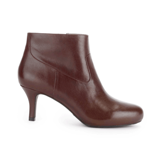 Seven to 7 Low Plain Bootie Women's Boots in Brown