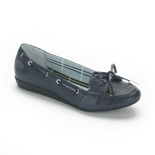 Shehera Boat Shoe Women's Boat Shoes in Navy
