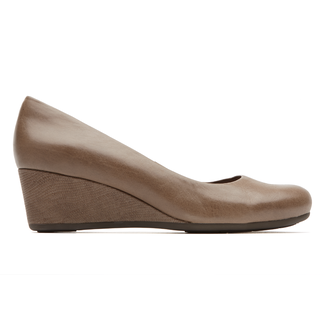 Total Motion Low Wedge Women's Wedges in Brown