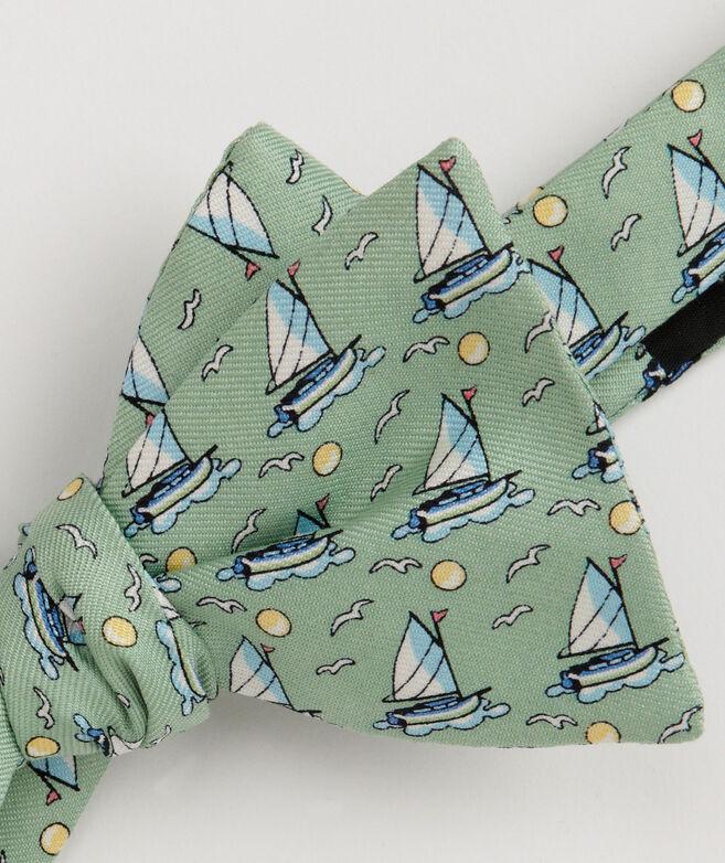 Catboat Bow Tie