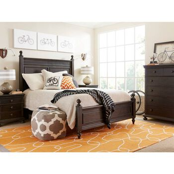Stone & Leigh Smiling Hill Licorice Chest