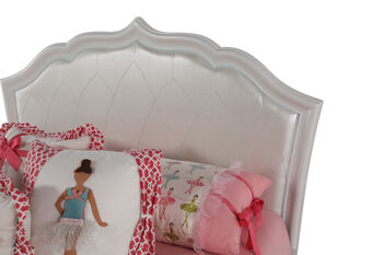 Legacy Tiffany Full Upholstered Bed