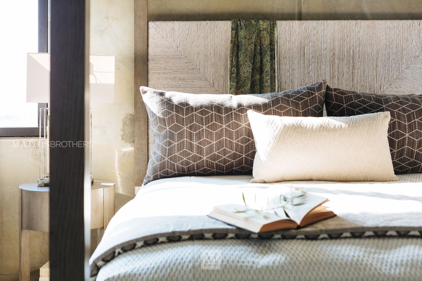 bernhardt palma canopy bed | mathis brothers furniture