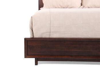 Aspen Walnut Heights Queen Bed