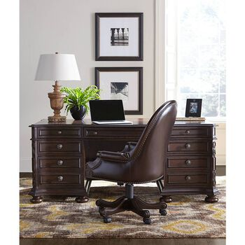 Stanley Casa D'Onore Sella Executive Desk