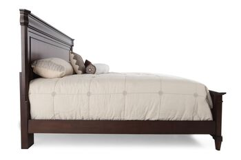Broyhill Aryell Queen Bed