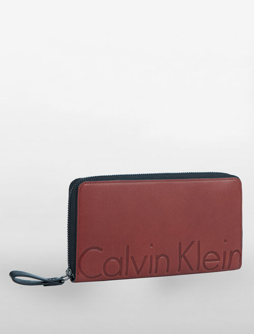 CALVIN KLEIN MAGNIFIED LOGO LONG ZIP AROUND WALLET