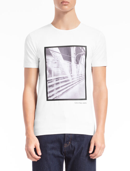 CALVIN KLEIN PHOTOGRAPHIC PRINT TEE IN SLIM FIT