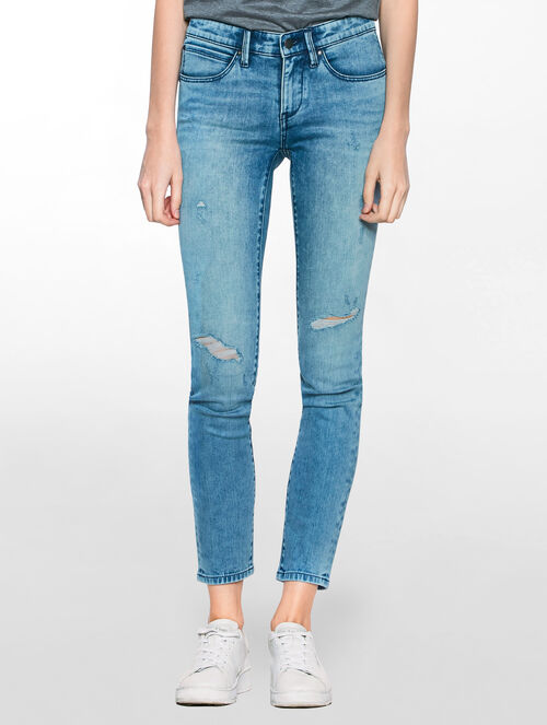 CALVIN KLEIN YESTERDAY BLUE BODY FIT JEANS