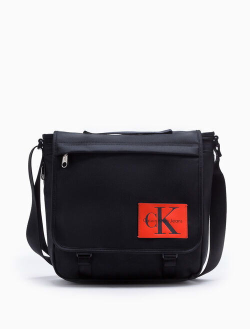 CALVIN KLEIN SPORT ESSENTIALS MESSENGER BAG