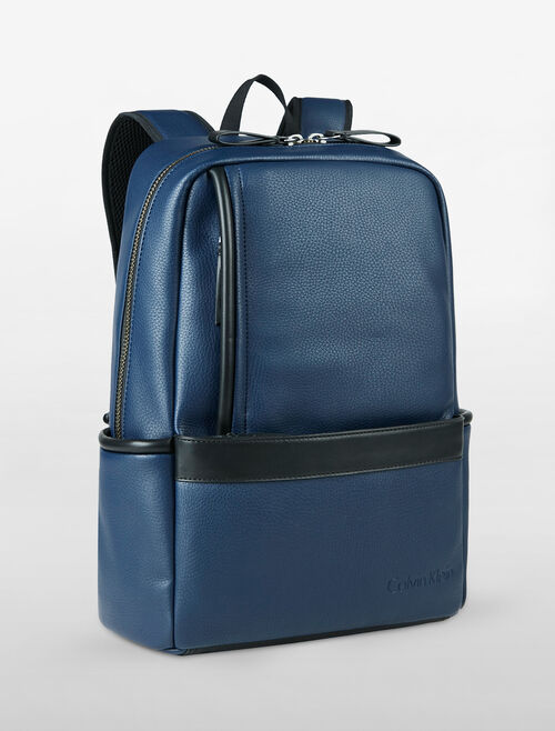 CALVIN KLEIN MAGNIFIED EDGE SLIM BACKPACK