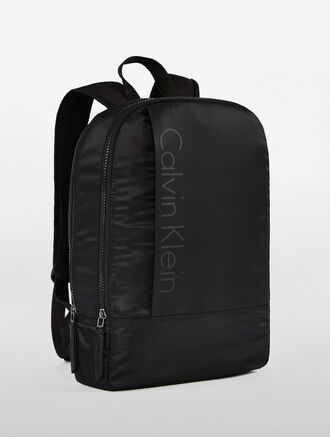 CALVIN KLEIN CHASE SLIM SQAURE BACKPACK