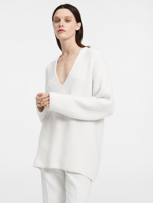 CALVIN KLEIN CHUNKY LIGHT CASHMERE V NECK SWEATER