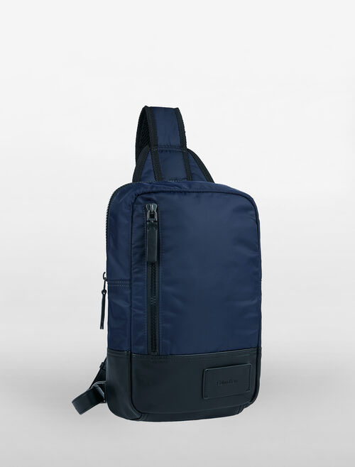 CALVIN KLEIN GEARED CROSSOVER SLING BAG
