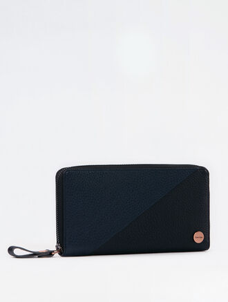 CALVIN KLEIN SLANT CONTRAST LONG ZIP AROUND WALLET