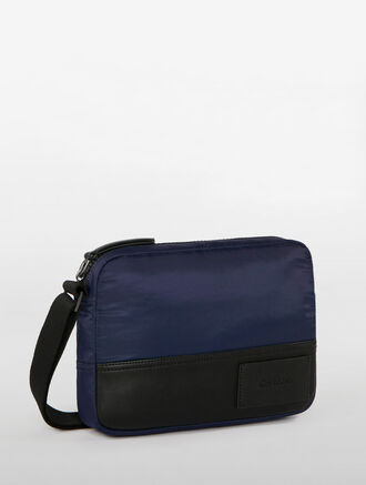 CALVIN KLEIN GEARED FLIGHT BAG