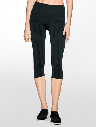CALVIN KLEIN SEAMLESS CAPRI CROP LENGTH LEGGING