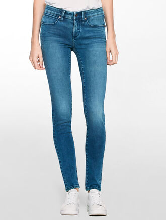 CALVIN KLEIN BLUE REVIVIAL BODY FIT JEANS
