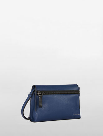 CALVIN KLEIN ULTRA LIGHT ZIP FRONT CROSS BODY