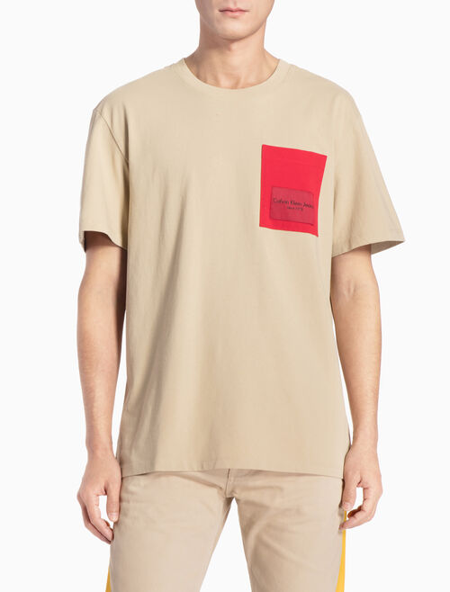 CALVIN KLEIN LOGO POCKET 릴렉스핏 티셔츠