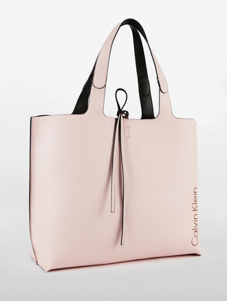 CALVIN KLEIN ULTRA LIGHT REVERSIBLE TOTE WITH DETACHABLE POUCH