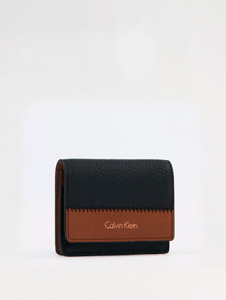 CALVIN KLEIN BICOLOR SOFT FLAP CARD HOLDER
