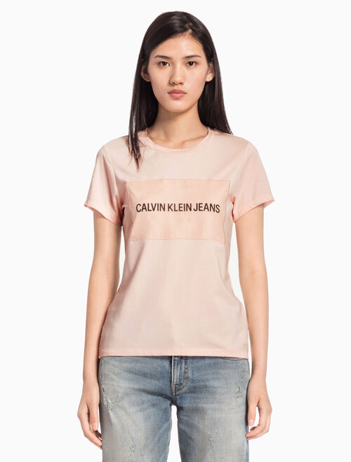 CALVIN KLEIN INSTITUTIONAL ORGANZA LOGO BOX TEE