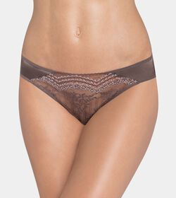 TRIUMPH ESSENCE LUXE String brief