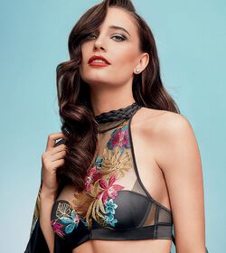 OSTENTATIOUS ESSENCE Push-up bra