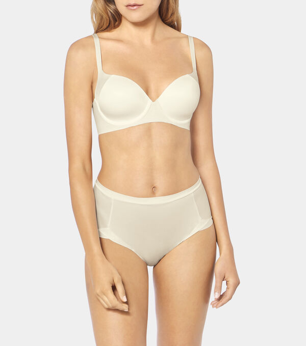 Triumph - BODY MAKE-UP SOFT TOUCH - 3