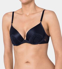TRIUMPH ESSENCE LUXE Biustonosz push-up