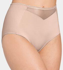 953c289f5e Shapewear from Triumph for the perfect killer curves