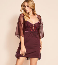 LACE-UP SPOTLIGHT Chemise de nuit