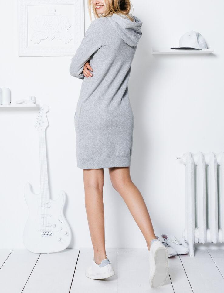 robe sweat capuche femme gris chin bizzbee. Black Bedroom Furniture Sets. Home Design Ideas