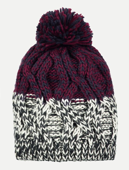Bonnet en tricot torsade homme