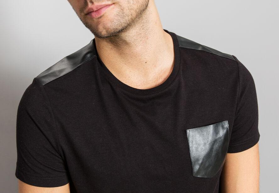 T-shirt empiècements épaule PU