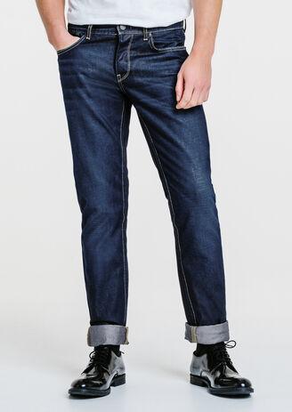 Jeans straight matière résinée